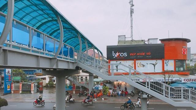 Ảnh: Cầu vượt đi bộ đầu tiên ở Đà Nẵng