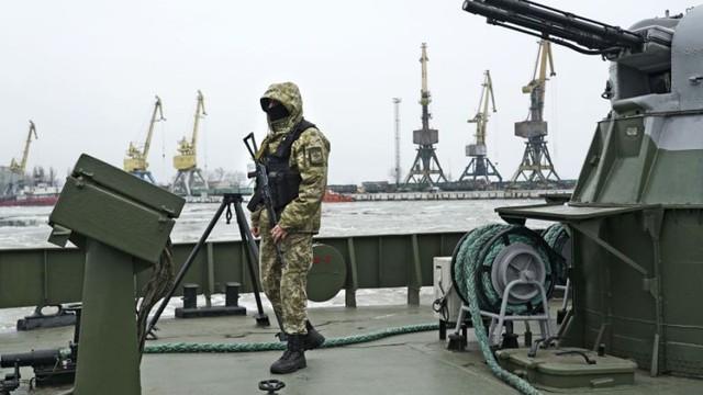 """Có liên minh quân sự mạnh nhất thế giới """"chống lưng"""", Ukraine coi thường Nga?"""