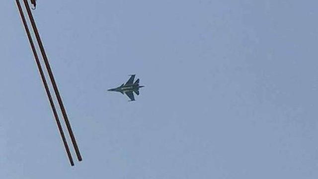 IL-20 Nga quần thảo trên Idlib khi SAA tràn ngập tiền tuyến