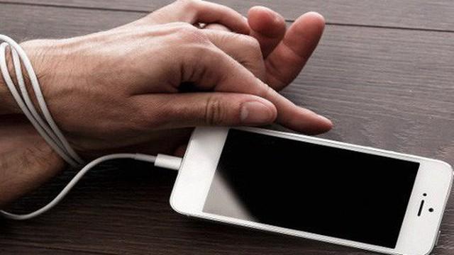 """Cẩn thận, iPhone có một thứ sẽ khiến bạn ám ảnh cả ngày về """"cơn nghiện"""" của chính mình!"""