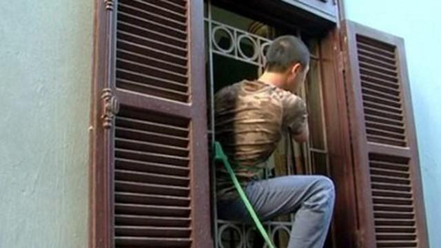 Cuộc truy lùng băng trộm đột nhập chuyên phá song cửa