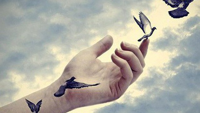 Mỗi người chỉ sống một lần, người khôn ngoan sẽ biết buông bỏ 10 điều cố chấp trong đời để có được hạnh phúc, an yên