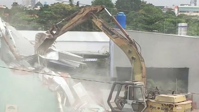 """Vụ cưỡng chế 112 hộ dân """"vườn rau Lộc Hưng"""": Lãnh đạo quận nói """"những người quá khích đã cho về nhà"""""""