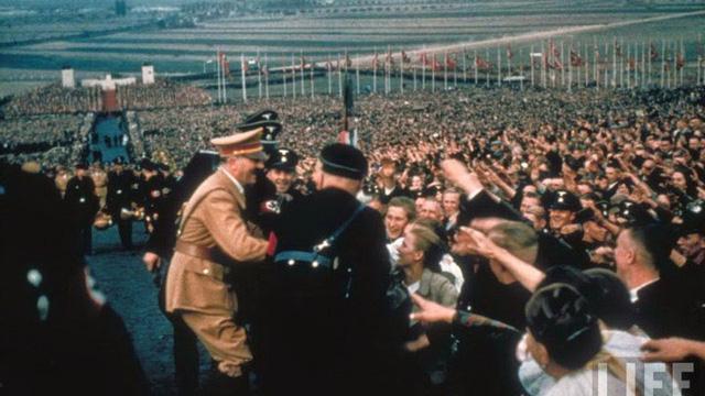 Ảnh hiếm chưa từng công bố về trùm phát xít Đức Adolf Hitler