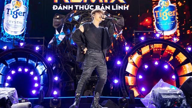 Không chỉ fan, cả Sơn Tùng cũng khản giọng sau Đại nhạc hội Tiger Remix