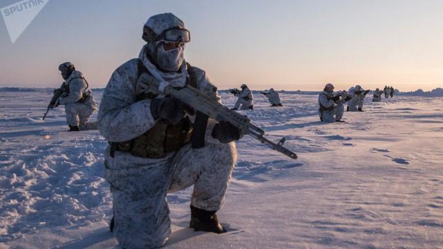 """Cuộc đua """"khống chế"""" Bắc Cực: Pháo đài bất khả xâm phạm của Nga thách thức mọi đối thủ"""