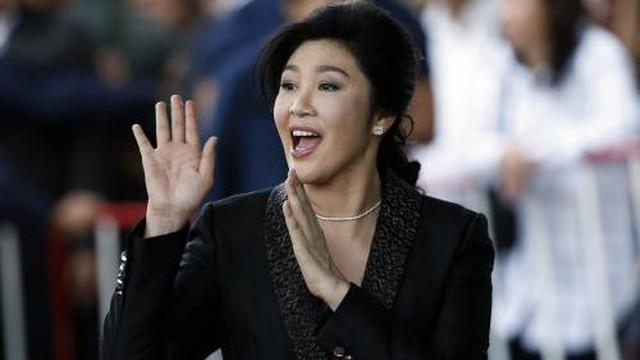"""Trên đường đào tẩu, bà Yingluck """"mua đứt"""" 1 công ty cảng lớn của Trung Quốc"""