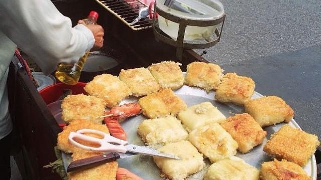 Ai mà ngờ tận dụng đồ thừa ngày Tết, 2 món này vẫn thành đặc sản vạn người mê ở Hà Nội