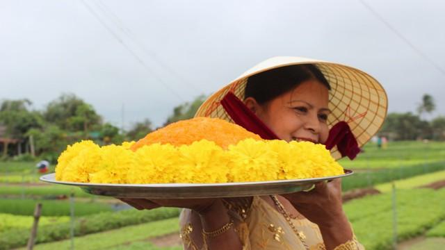 Độc đáo lễ hội Cầu Bông ở làng rau sạch lớn nhất miền Trung