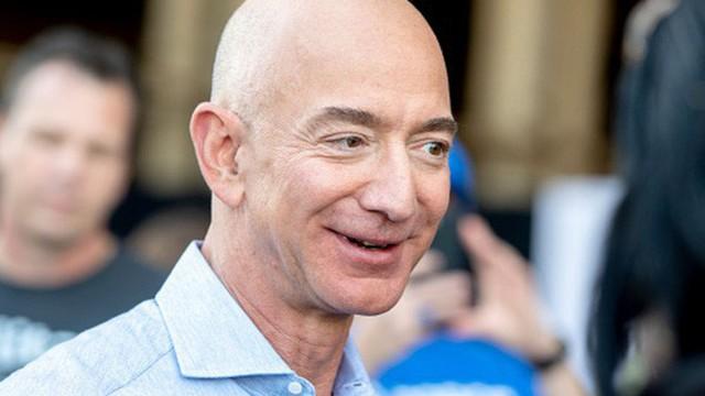Jeff Bezos chi 2 tỷ USD làm từ thiện, đứng đầu danh sách tỷ phú hảo tâm nhất 2018