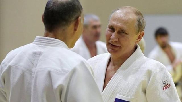 Ông Putin bị thương khi luyện tập Judo