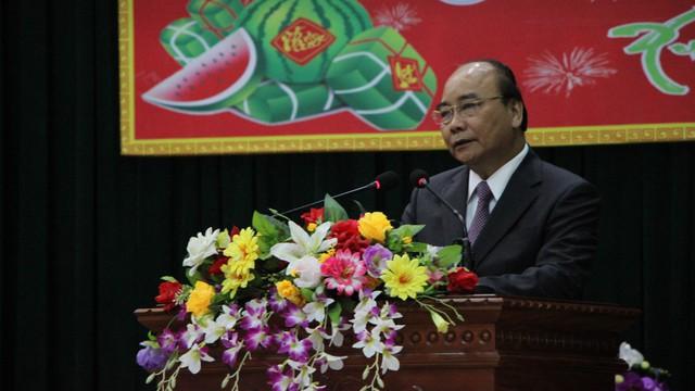 Thủ tướng Nguyễn Xuân Phúc xông đất, chúc tết cán bộ và người dân Đà Nẵng