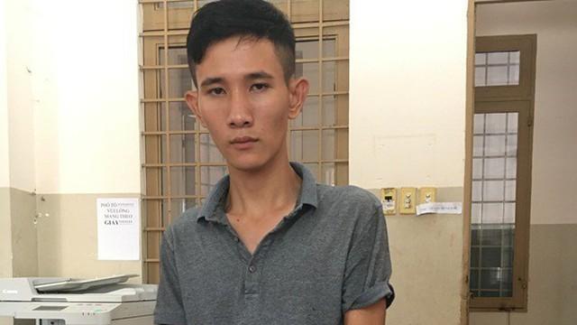 Nam thanh niên liều lĩnh dùng búa đập tủ kính cướp tiệm vàng ở Tây Ninh