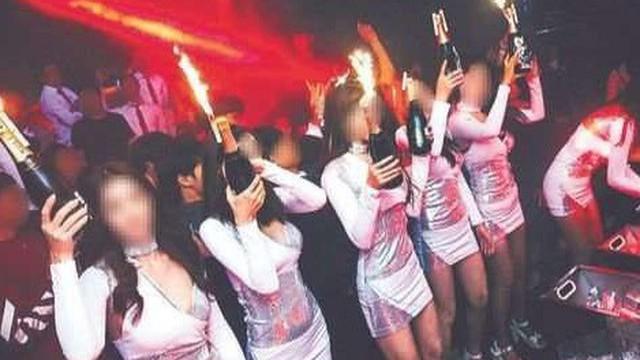 """Nền công nghiệp hộp đêm ở Hàn Quốc: Đen tối nhưng ai cũng muốn lao vào, """"gái gọi"""" dưới tuổi vị thành niên thành """"hàng hóa"""" đem rao bán"""
