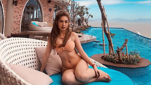 Diện bikini khoe vòng 3 nảy nở, Khổng Tú Quỳnh chính thức vào đường đua mỹ nhân gợi cảm Vbiz
