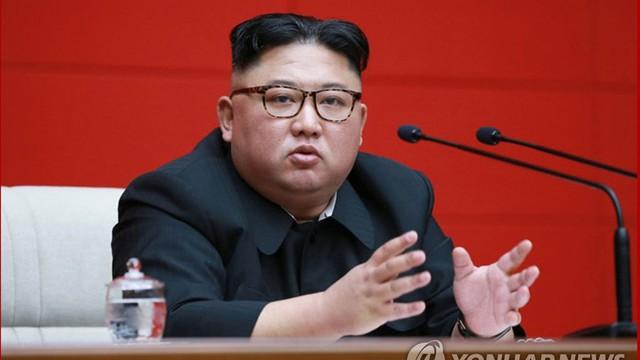 """Ông Kim Jong-un 27 lần nhắc đến từ """"tự lực"""", tuyên bố giáng đòn mạnh vào những kẻ trừng phạt Triều Tiên"""