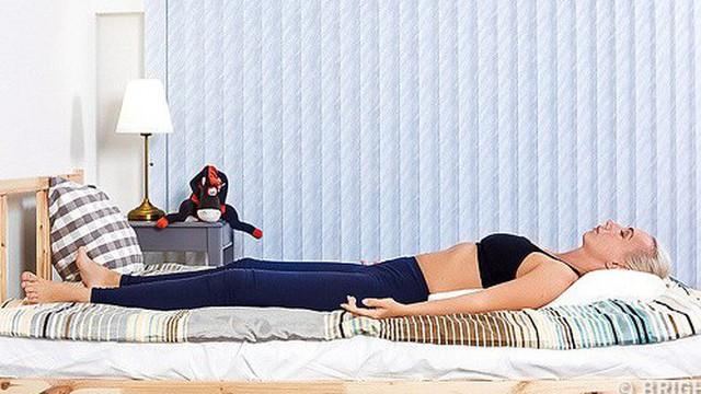 6 tư thế nằm giúp bạn chìm vào giấc ngủ ngay lập tức: Thực hiện hàng ngày hiệu quả rất tốt