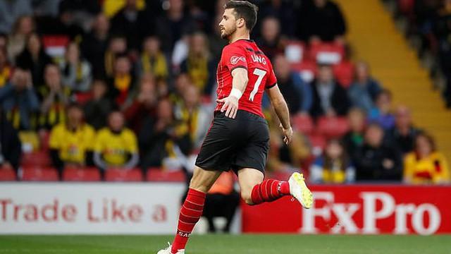 """Tinh quái và tinh tế, """"sát thủ"""" 32 tuổi lập kỷ lục Premier League chỉ sau 7,69 giây"""