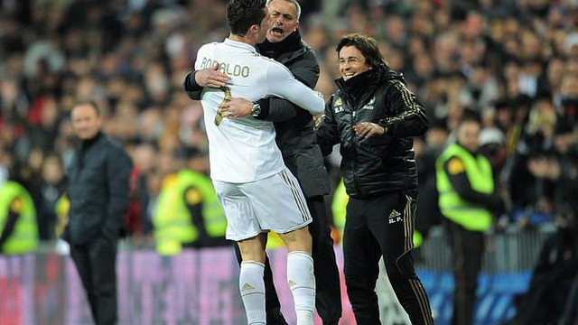 """Tích cực lôi kéo Mourinho, Ronaldo muốn tạo dựng một """"đế chế"""" mới"""