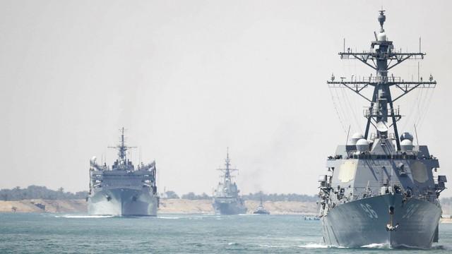 Ồ ạt điều tàu thị uy trước Iran ở vịnh Ba Tư, Mỹ không ngờ tự làm yếu năng lực ở Biển Đông