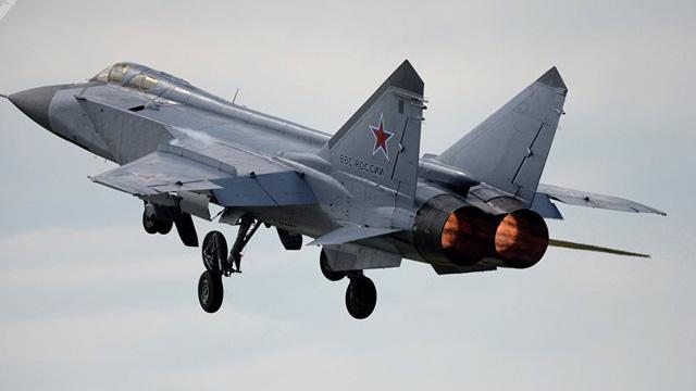Khoảnh khắc ngoạn mục: MiG-31 vượt qua giới hạn Amstrong, bay tới độ cao cận vũ trụ