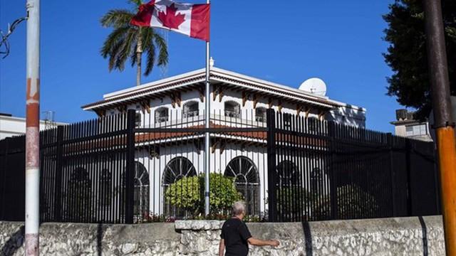 """""""Bệnh lạ"""" tái xuất ở Cuba, Canada cắt một nửa nhân viên ngoại giao"""