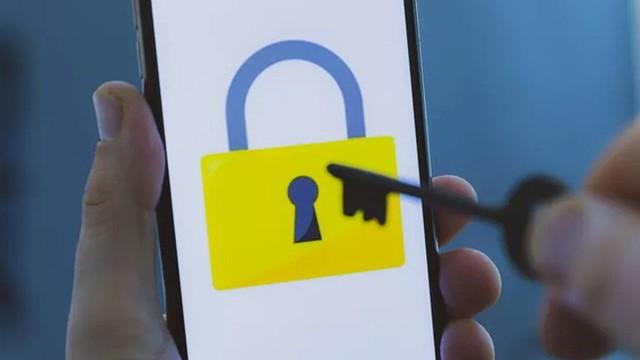 Công cụ hack của UAE theo dõi IPHONE chỉ bằng cách gửi tin nhắn văn bản