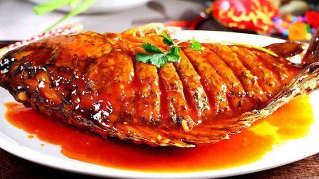 Học ngay món cá chiên giòn xốt chua ngọt vừa ngon vừa đẹp cho tiệc cuối năm thêm tròn đầy