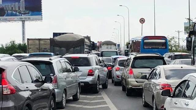 Luật sư nói về vụ 2 ô tô bị cấm lưu thông trên cao tốc