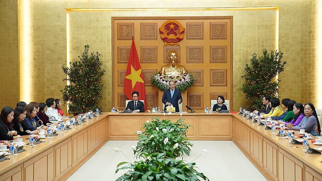 Thủ tướng gặp mặt các nữ doanh nhân tiêu biểu