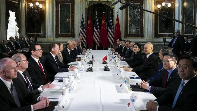Bloomberg: Mỹ có thể dỡ bỏ toàn bộ thuế quan với Trung Quốc