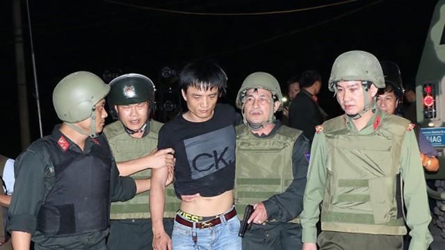 Chuyện hậu trường 4 giờ bao vây nhóm tội phạm có vũ khí ở Hà Tĩnh