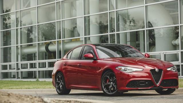 10 mẫu ô tô đẹp và đáng mua nhất thế giới