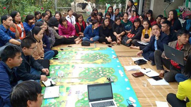 """Gần 300 giáo viên ở Hà Nội có nguy cơ mất việc: """"Nếu nghỉ việc thật chắc đi nhặt rác thôi"""""""