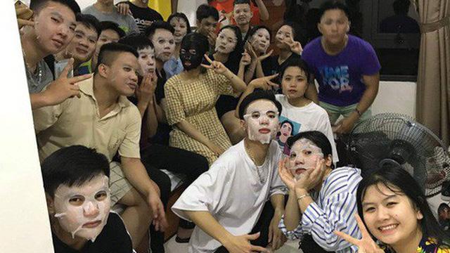 Lầy như học sinh: Cả lớp rủ nhau cùng đắp mặt nạ để đẹp là phải đẹp tập thể!