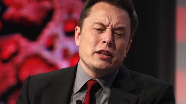 Mây đen 'bủa vây' Tesla, Elon Musk mất hơn 1 tỷ USD chỉ trong vòng 2 phút ngắn ngủi và hầu toà vì 'vạ miệng'