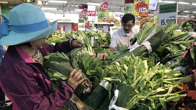 Dùng lá chuối gói rau, siêu thị Việt lên báo nước ngoài