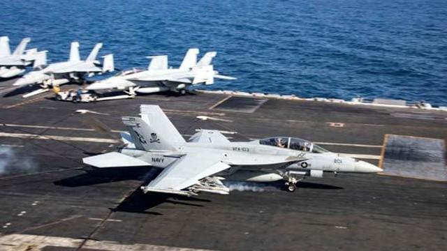 """Iran đe đánh chìm các tàu chiến Mỹ bằng """"vũ khí bí mật"""""""