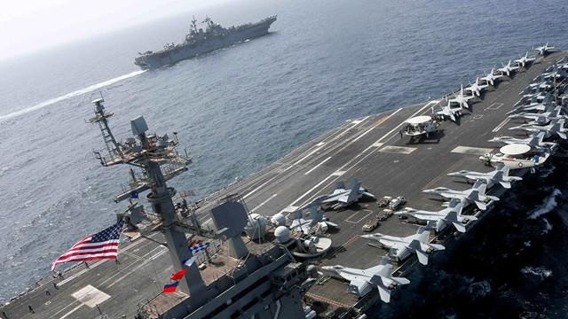 Iran sẵn sàng tung vũ khí bí mật đánh chìm tàu chiến Mỹ