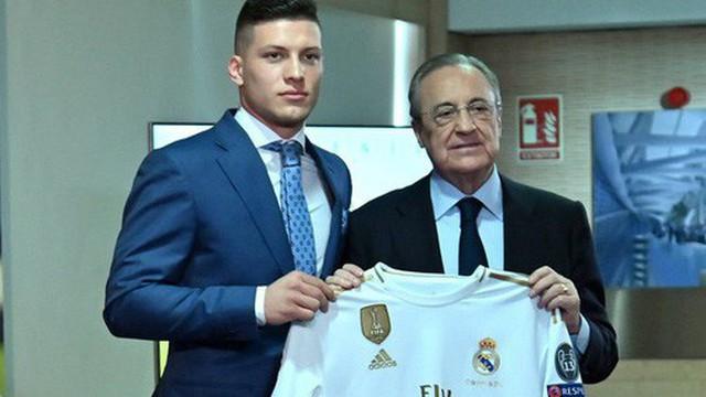 Tân binh siêu đẹp trai trị giá 1.600 tỷ VNĐ của Real Madrid ra mắt khán giả với khuôn mặt 'lạnh như tiền'