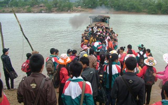Quảng Bình: Lật đò đêm Noel, 3 người mất tích