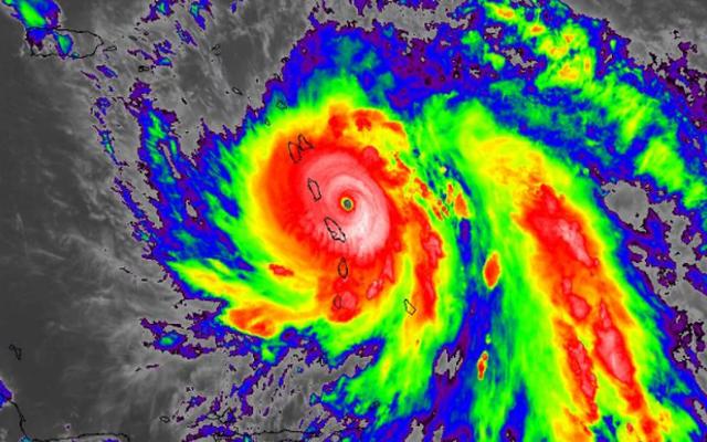 """Siêu bão """"quái vật"""" mạnh nhất 85 năm tấn công vùng Caribe: So với Haiyan cũng chẳng kém gì"""