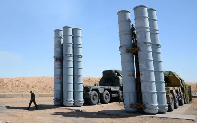 """Lý do Israel chưa dám vô hiệu hóa """"rồng lửa"""" S-300 Nga chuyển cho Syria dù """"thừa sức"""""""
