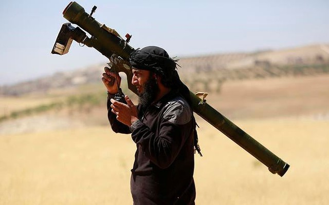 Mỹ phá thế thắng Nga tại Syria, bơm tên lửa vác vai cho phiến quân bắn hạ Su-25?