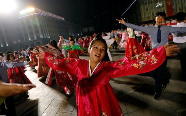 """Trung Quốc rục rịch """"thể hiện tinh thần đoàn kết"""" với Triều Tiên"""