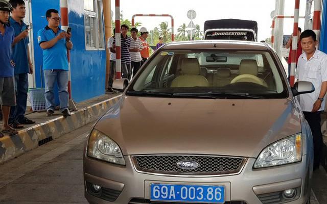 Kỷ luật tài xế xe biển xanh phản ứng tại trạm BOT Sóc Trăng