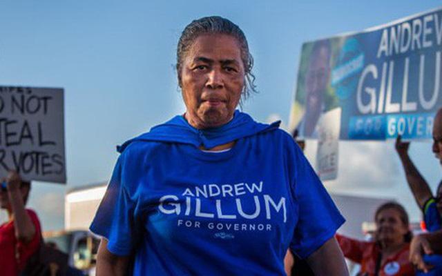 Bầu cử Mỹ: Bang Florida bất ngờ kiểm phiếu lại, gợi ký ức vụ Bush-Al Gore