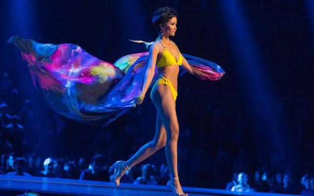 Tin được không, H'Hen Niê được bình chọn là Hoa hậu trình diễn biniki nóng bỏng nhất 2018