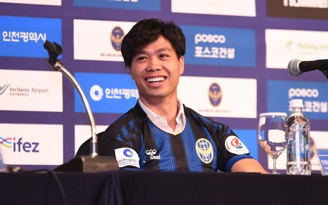"""Fan Việt """"chơi lớn"""" vì Công Phượng, HLV Incheon United đưa ra lời cảnh báo"""