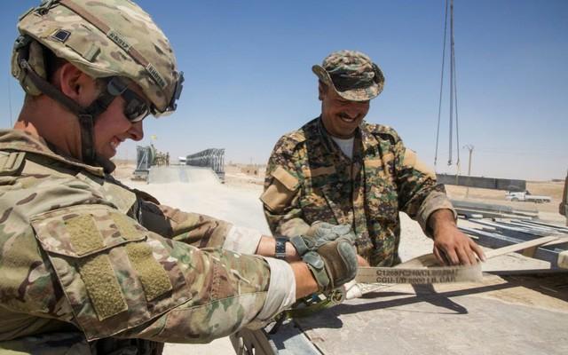 """Mỹ bất ngờ ra tuyên bố """"khác"""" về việc rút quân khỏi Syria"""